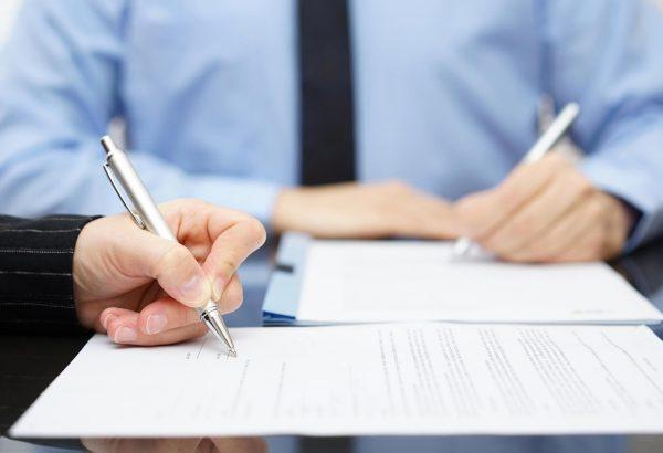 asesoria fiscal en Valencia - firma de documentos