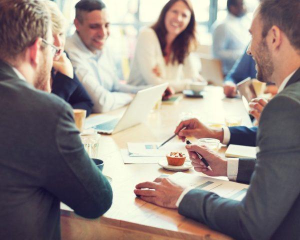 asesoría para empresas en Valencia - reunion de mediacion