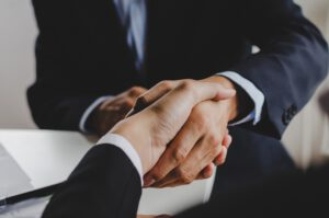 asesores de empresas en valencia - manos