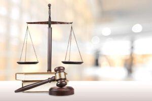 asesoría jurídica en Valencia - balanza